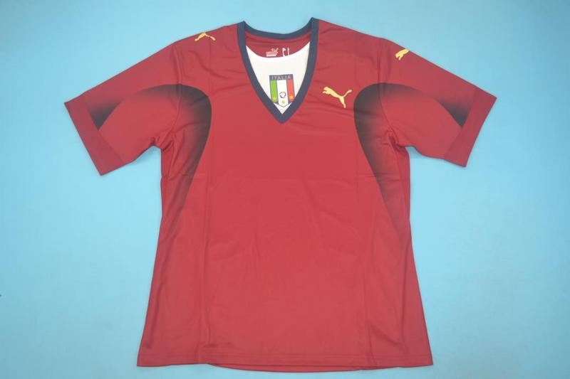 AAA Quality Italy 2006 Goalkeeper Red Retro Soccer Jersey